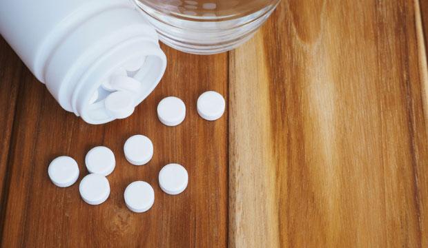 Différences entre l'ibuprofène, l'acétaminophène et l'acide acétylsalicylique