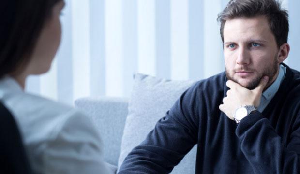 Qui peut porter le titre de psychothérapeute?