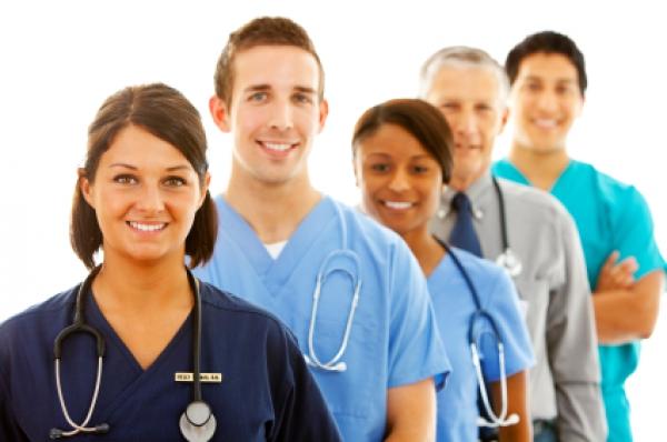 Plus des deux tiers de l'effectif infirmier travaillent à temps complet — CDQ